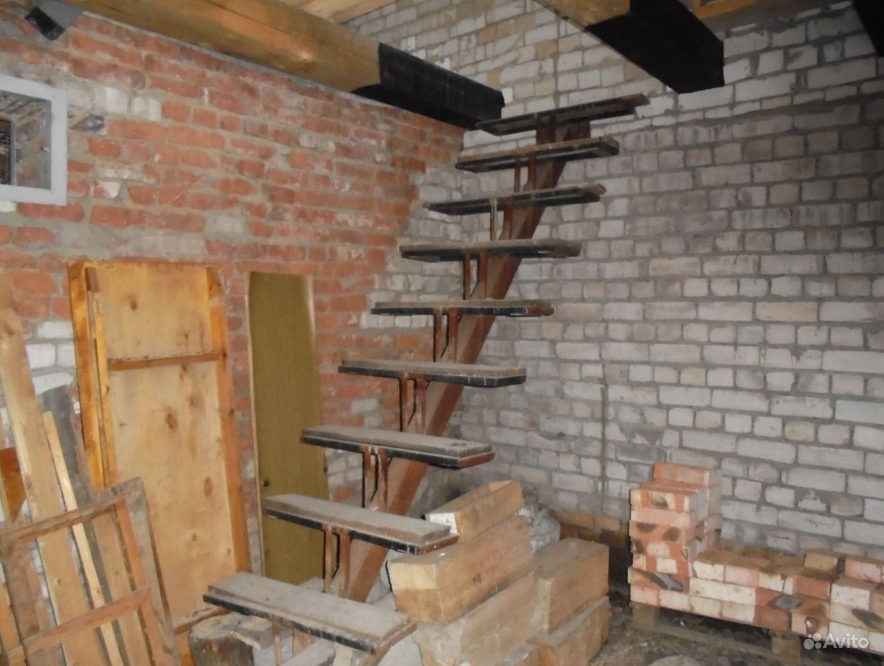 Металлическая лестница на второй этаж своими руками: фото 11