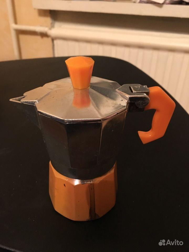 Маленькая гейзерная кофеварка.  Санкт-Петербург