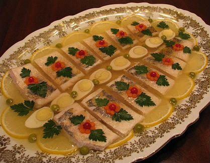 Заливное из осетровой или лососевой рыбы - Простые рецепты Овкусе.ру.
