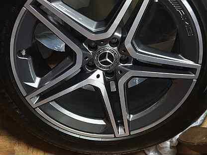 Диски AMG и резина Pirelli на Mercedes-Benz